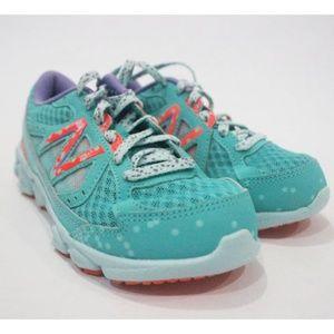 New Balance 750V3 Running Shoe Kids - Size 13
